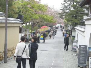 高台寺の前の道